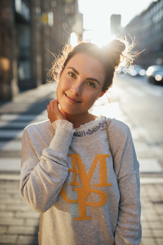 160926_yrml_mop_sweater_web-21