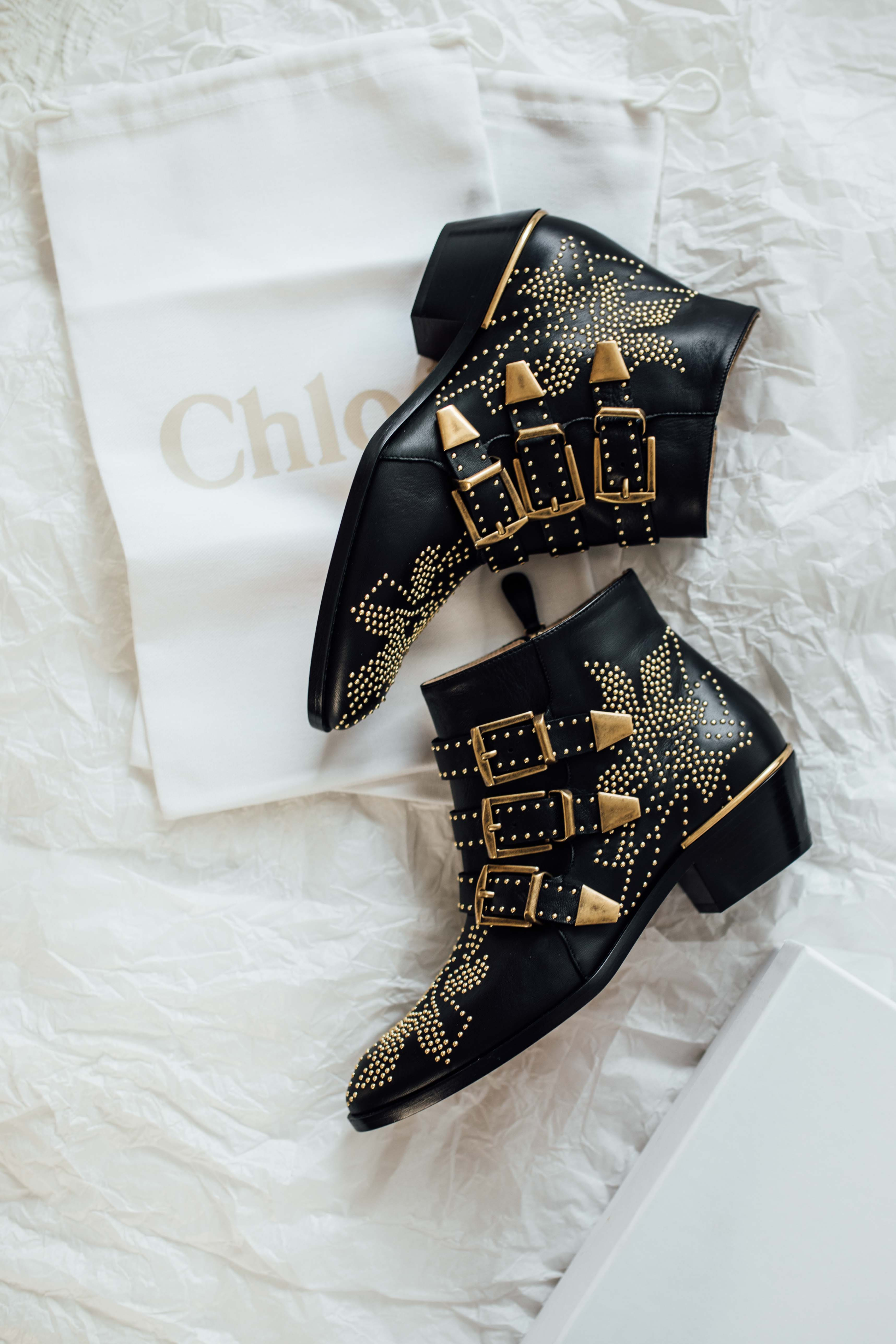 NEW IN  Chloé Susanna Boots in Black with Gold Hardware e8fb07867f9