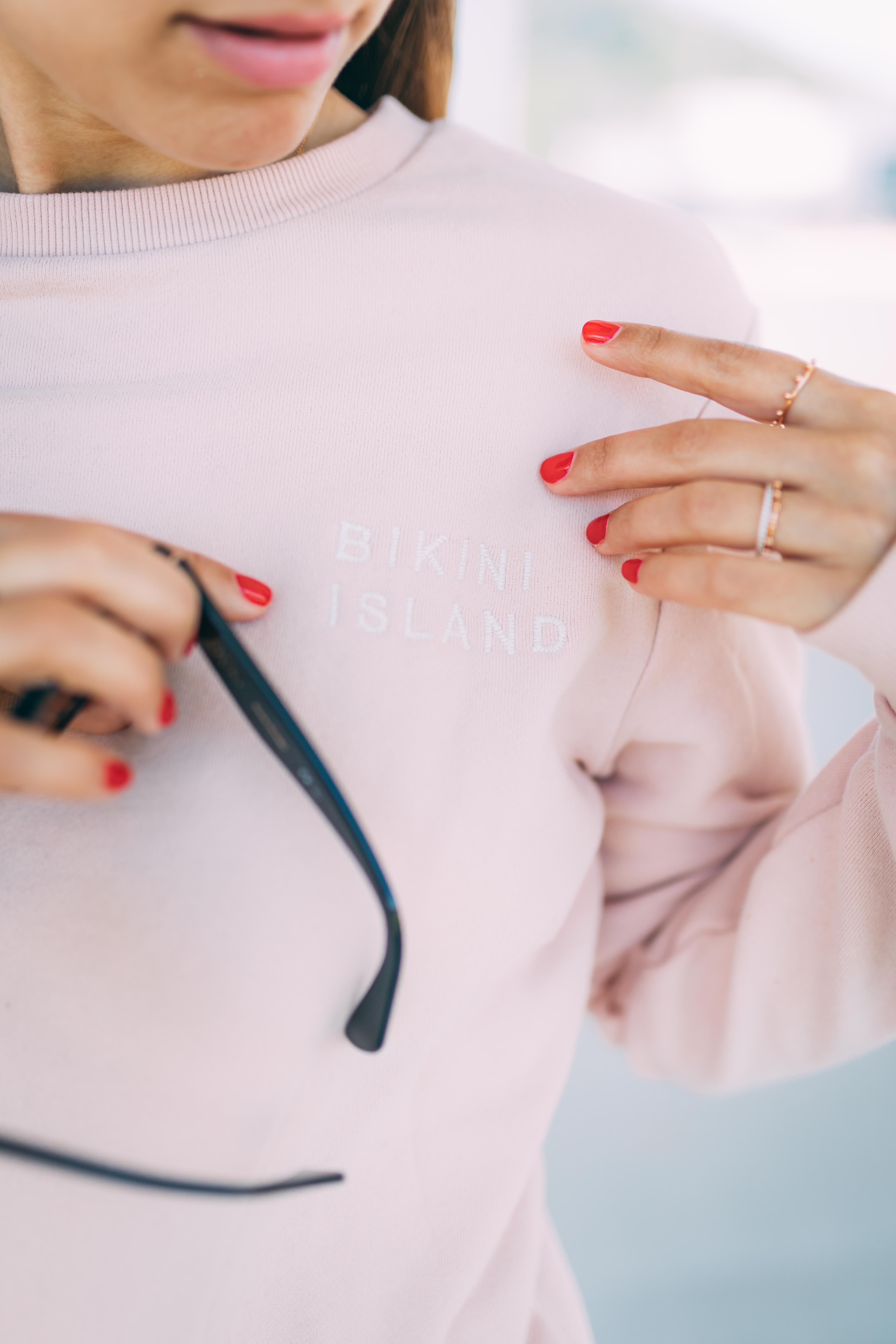 Outfit: Airport Attire | Levi's vintage denim shorts, sweater, Saint Laurent bag, Australia | You Rock My Life