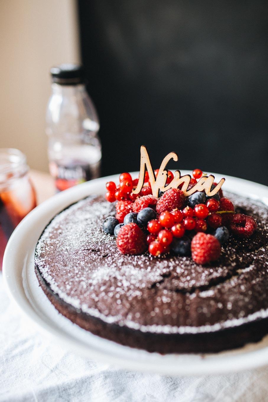 Recipe: Vegan Chocolate Cake | Teekanne Fresh - You Rock My Life