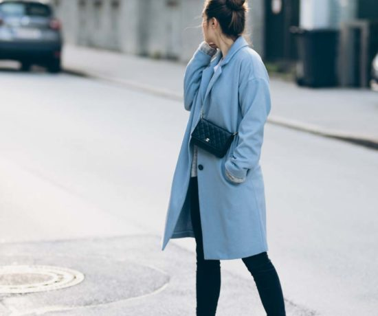 Outfit: Baby Blue | Chanel WOC, Jake*s Coat Peek & Cloppenburg, Zara Biker Boots, Closed Velvet Pants | you rock my life
