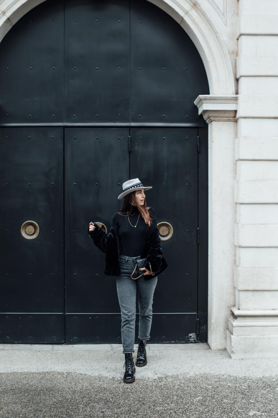 Outfit: Must Have Of The Season: Black Turtleneck | Closes Pedal Pusher Jeans, Chanel Wallet On Chain WOC, Dr. Martens Boots, Nomade Moderne Hat, Leo Mathild Jewelry | you rock my life