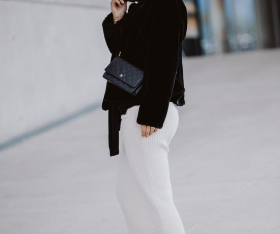 Outfit: Black and White, Wool Skirt, Sandro Paris Sweater, Anna Inspiring Jewelry, Chanel Wallet on Chain, Zara Boots, Messy Bun | you rock my life
