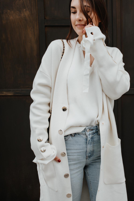 Αποτέλεσμα εικόνας για white coat outfit