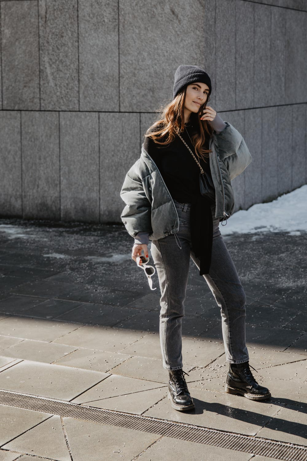 Outfit: Velvet Bomber Jacket Love Affair | Peak Performance Guard Jacket - you rock my life
