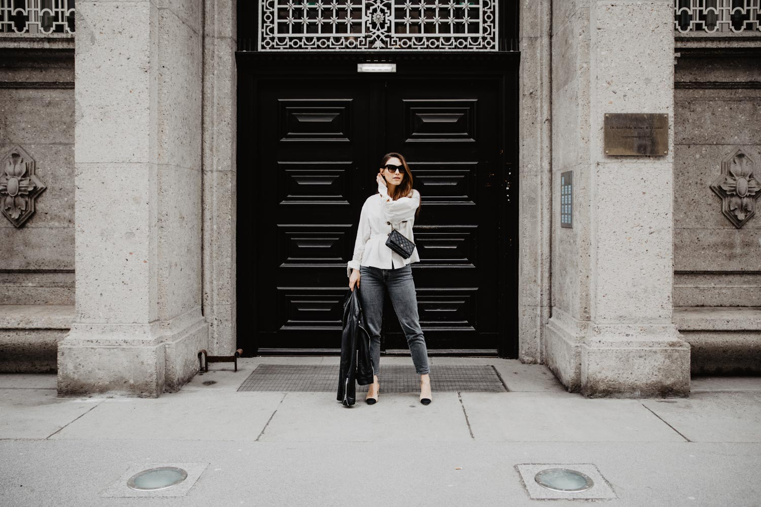 Outfit: Chanel Slingbacks, Closed Pedal Pusher Jeans, Leather Jacket, Céline Sunglasses, Chanel WOC | you rock my life @ninawro