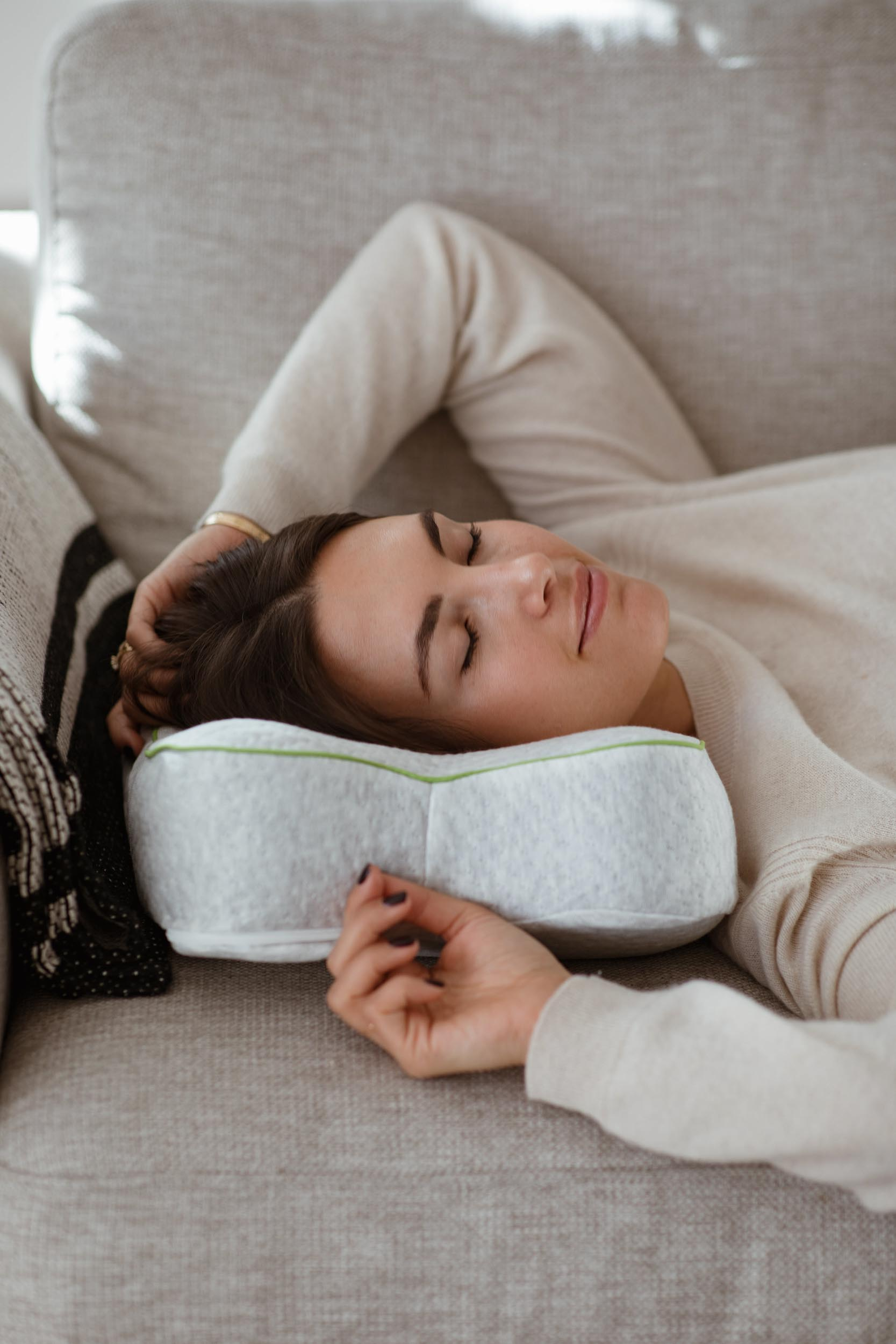 5 Things: For Better Sleep - Blackroll Recovery Pillow | You Rock My Life